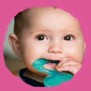 Aké sú príznaky prerezávania zubov?